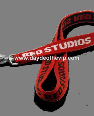 Dây đeo thẻ lụa màu đỏ, dây đeo thẻ cao cấp màu đỏ, dây đeo màu đỏ, dây đeo giành cho nhân viên màu đỏ, dây đeo the poly màu đỏ, dây đeo thẻ chất liệu đẹp màu đỏ, dây đỏ, mẫu dây đeo màu đỏ, dây đeo hội nghị màu đỏ, dây đeo sự kiện màu đỏ, dây đeo hội chợ màu đỏ, dây đeo thể thao màu đỏ