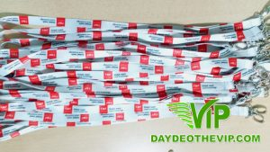 day-deo-the-nhan-vien-cong-ty